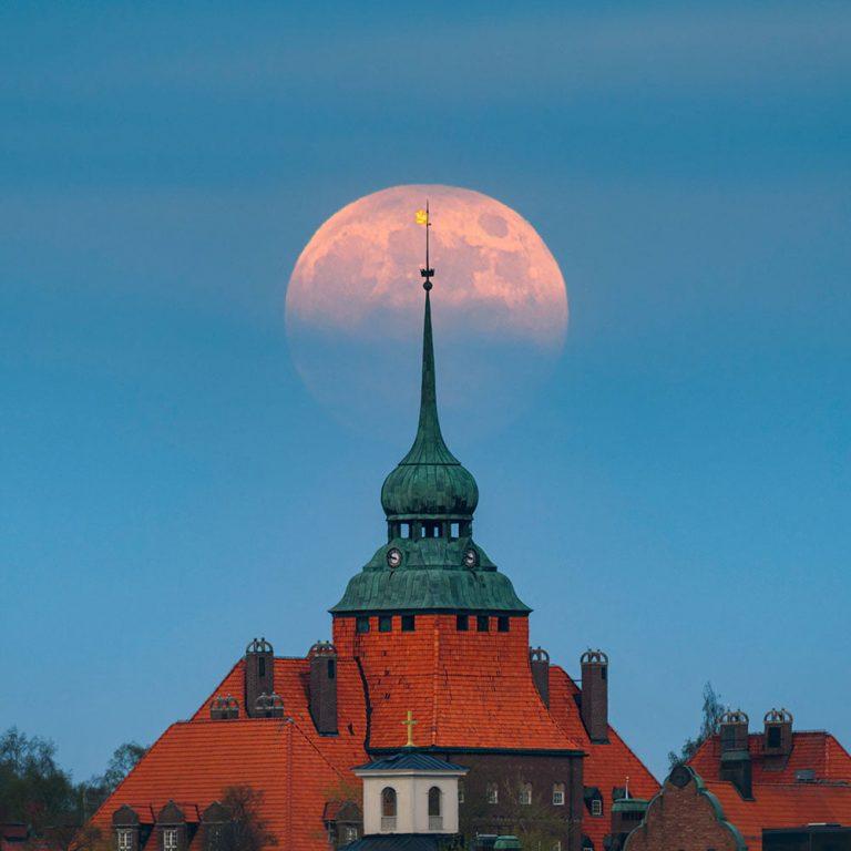Fullmåne över Östersund